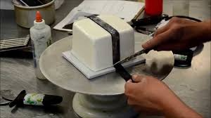 how to decorate a square cake into gift box christmas cake idea