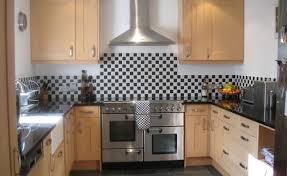 4 murs papier peint cuisine cuisine papier peint 4 murs cuisine avec violet couleur papier