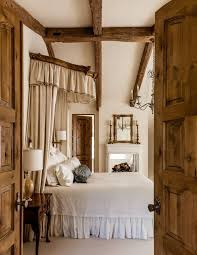 Traditional Master Bedroom Design Ideas - 18 master bedrooms featuring canopy beds and four poster beds