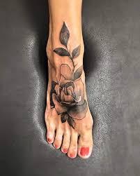 small rose tattoos on foot cele mai bune 25 de idei despre