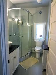 apartment bathroom ideas how to decorate a small apartment bathroom 4ingo