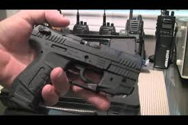 walther ppq laser light gun show deal walther p22 with laser sight youtube
