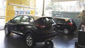 renault kwid black colour renault kwid bicolour introduced in brazil in 5 live images