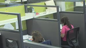 bureau de revenu canada l ère des cubicules gris des fonctionnaires québécois tire à sa fin