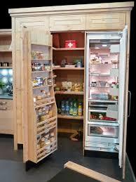 cellier cuisine atelier culinaire cuisine chêne massif clair étagère contre