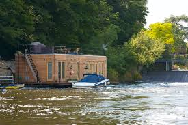 river thames boat brokers top 10 houseboats for sale zoopla