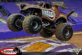 grave digger north carolina monster truck raleigh north carolina monster jam april 9 2016 night