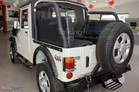 mahindra thar vs force gurkha