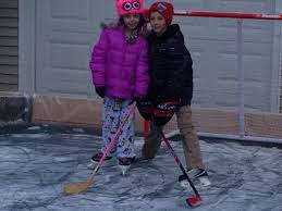 Build Backyard Ice Rink by Mahwah Dad Builds Backyard Ice Rink In Freezing Temps Mahwah Nj