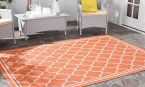 Outdoor Plastic Rug by Tips On Buying Outdoor Rugs Overstock Com