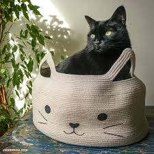 make a diy cat bed with this easy free tutorial