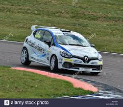renault rally 2016 mike bushell renaultsport 220 trophy renault clio renault uk