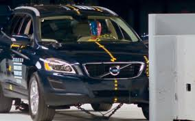 2016 volvo 18 wheeler crash a volvo xc60 takes the iihs u0027 small overlap test motor trend