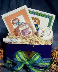 pregnancy gift basket expecting mothers to be deserve pering gift giving ideas