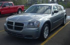 file 2005 2007 dodge magnum jpg wikimedia commons
