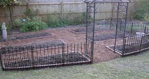 Front Yard Metal Fences - perfect design short fencing inspiring 1000 ideas about front yard