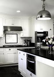 luminaire cuisine moderne decoration luminaire cuisine idées suspension métallique couleur