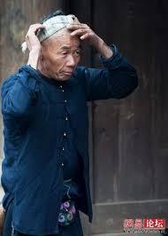 حلاق يحلق الشعر باستخدام منجل  Images?q=tbn:ANd9GcTZESROGXkun0znzDBTDndXXfv9pspFgFAorVgKIcvJiN3uVkYKsw