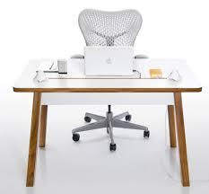 ordinateur portable de bureau bureau pc portable bureau hetre lepolyglotte