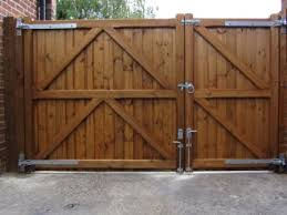 Gate For Backyard Fence Driveway Gate 30 40 Split For A Side Yard Access Would Be Great
