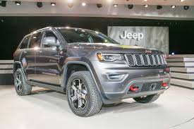 jeep cherokee gray 2017 2017 jeep grand cherokee trailhawk summit first look review