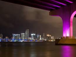 imagenes miami de noche miami puente en colores neón en la noche fondos de pantalla gratis