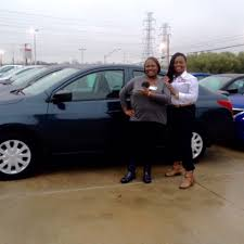 nissan versa reviews 2016 rachel brown reviews the 2016 nissan versa she purchased from