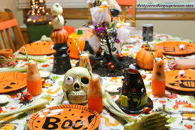 Skeleton Bones For Halloween by Spooky Halloween Party U0026 Tablescape Ideas Thirtysomethingsupermom