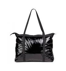 friis og co praktisk friis co taske i sort blankt materiale 1510045
