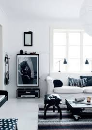 black decor home design