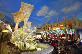 celebrate thanksgiving with a meal in las vegas
