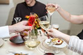 5 glasses for every guest coming to your thanksgiving table