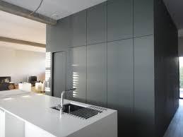 cellier cuisine rangement cellier cuisine plan de travail en stratifi avec vier