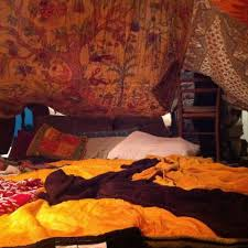 Bed Fort 19 Blanket Forts You U0027ll Want To Hibernate In