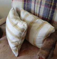 How To Make A Cushion With Zip Scatter Cushion With Piping And A Zip