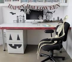 How To Decorate Your Cubicle For Halloween Diy Projects U0026 Crafts Decorating Halloween Office And Cubicle
