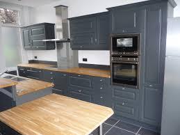 photo cuisine grise et decoration cuisine plan de séduisant meuble de cuisine gris