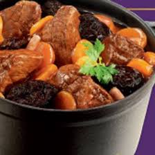 cuisiner de la joue de boeuf noix de joue de boeuf aux pruneaux sauce à l armagnac magazine