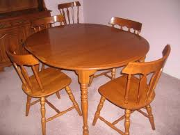 Maple Dining Room Set Is Also A Kind Of Colonial Dining Room - Maple dining room tables