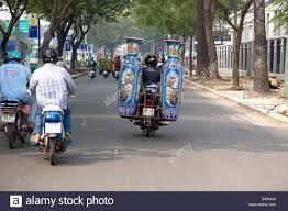 decorative urns motorbike hauling large decorative urns in ho chi minh city