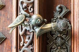 maniglie porte antiche maniglie antiche la magia e la storia ville casali