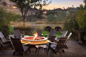 outdoor entertaining cool hunting outdoor entertaining essentials the effortless chic