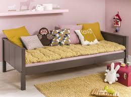 lit transformé en canapé la banquette le nouveau canap dcoration transformer un lit en