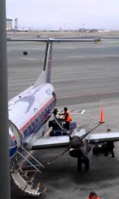 United Airlines Baggage United Airlines Horrible Baggage Handling 7 9 2012 Youtube