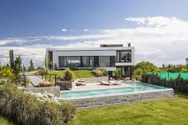 Modernhouse by Gorgeous Modern House In Patagonia Opens Right Up To The Great