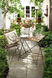 Patio Ideas For Small Backyards Best 25 Small Courtyards Ideas On Pinterest Small Courtyard