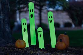 Homemade Halloween Props by Diy Halloween Decorations Glow In The Dark Ghost Fence Posts