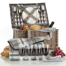 picnic basket for 4 vonshef deluxe 4 person traditional wicker picnic basket reviews