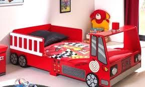 chambre voiture garcon deco chambre voiture garcon chambre garcon voiture de course