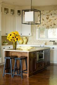 sherwin williams brown kitchen cabinets kitchens sherwin williams ivory lace design ideas